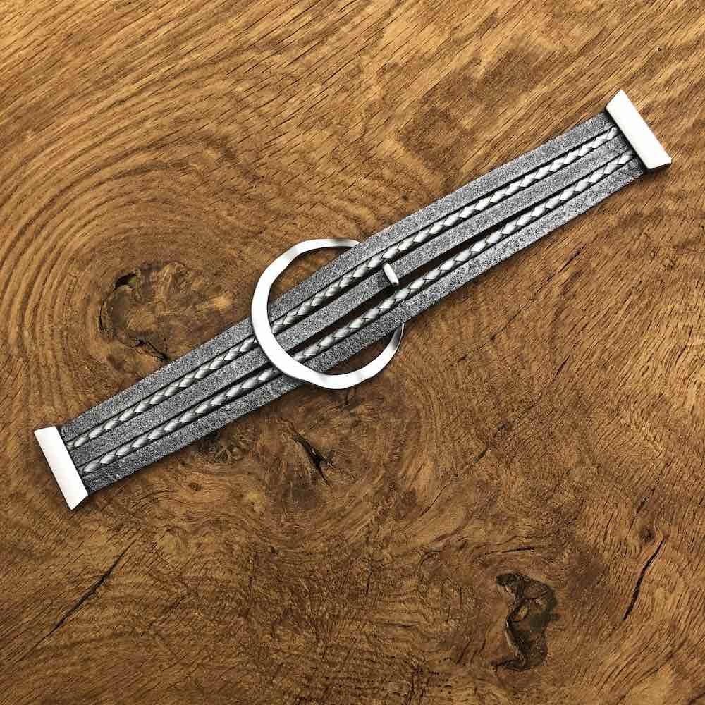 bracelet laid out