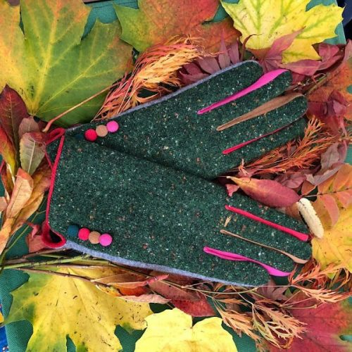 Green Stylish Tweed Button Gloves