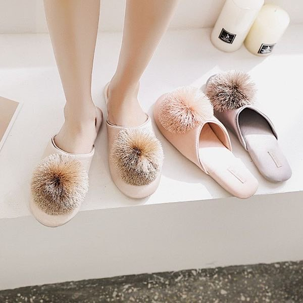 Nude pompom slippers